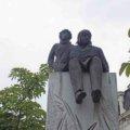 リヨンで星の王子様とサン=テグジュペリの像を探そう!