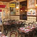 Café Comptoir Chez Sylvie リヨンの認定マーク付ブション