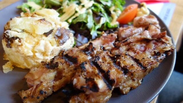 リヨンの豚足料理