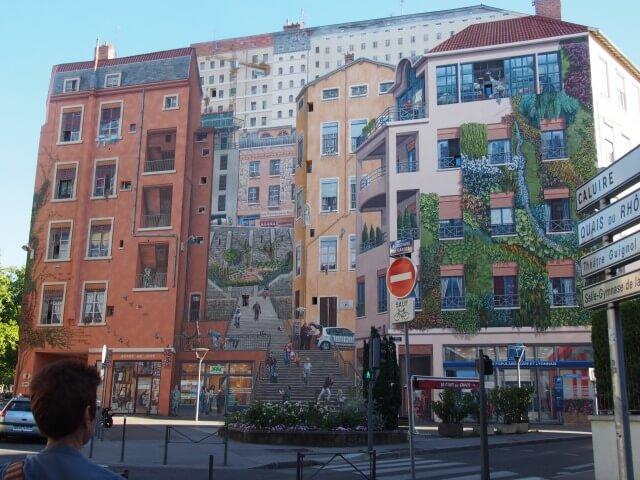 リヨンのクロワルッス地区の壁絵