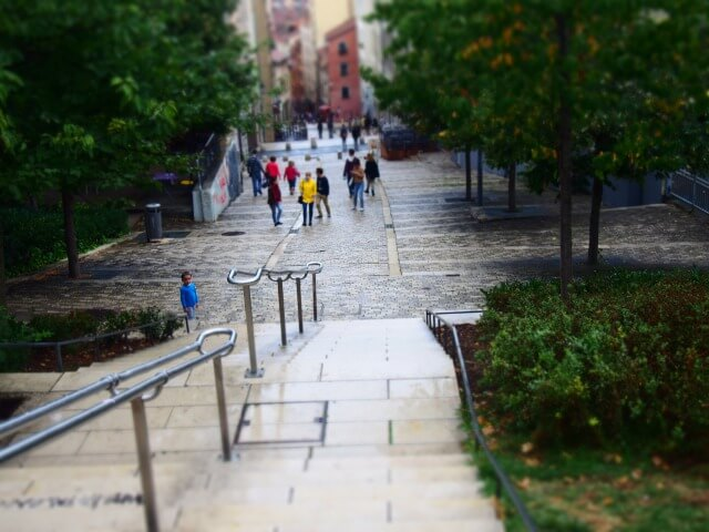 クロワルッスの丘の階段道