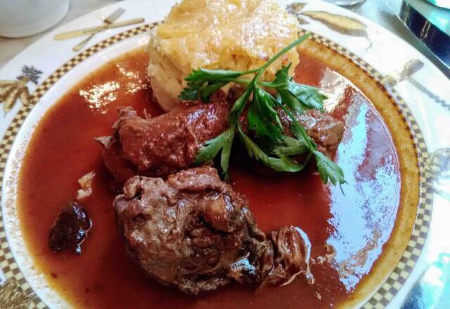 リヨンの豚肉料理