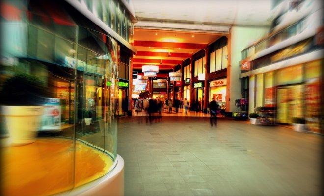 リヨンのパールデュー駅前のショッピングセンター La Part-Dieu