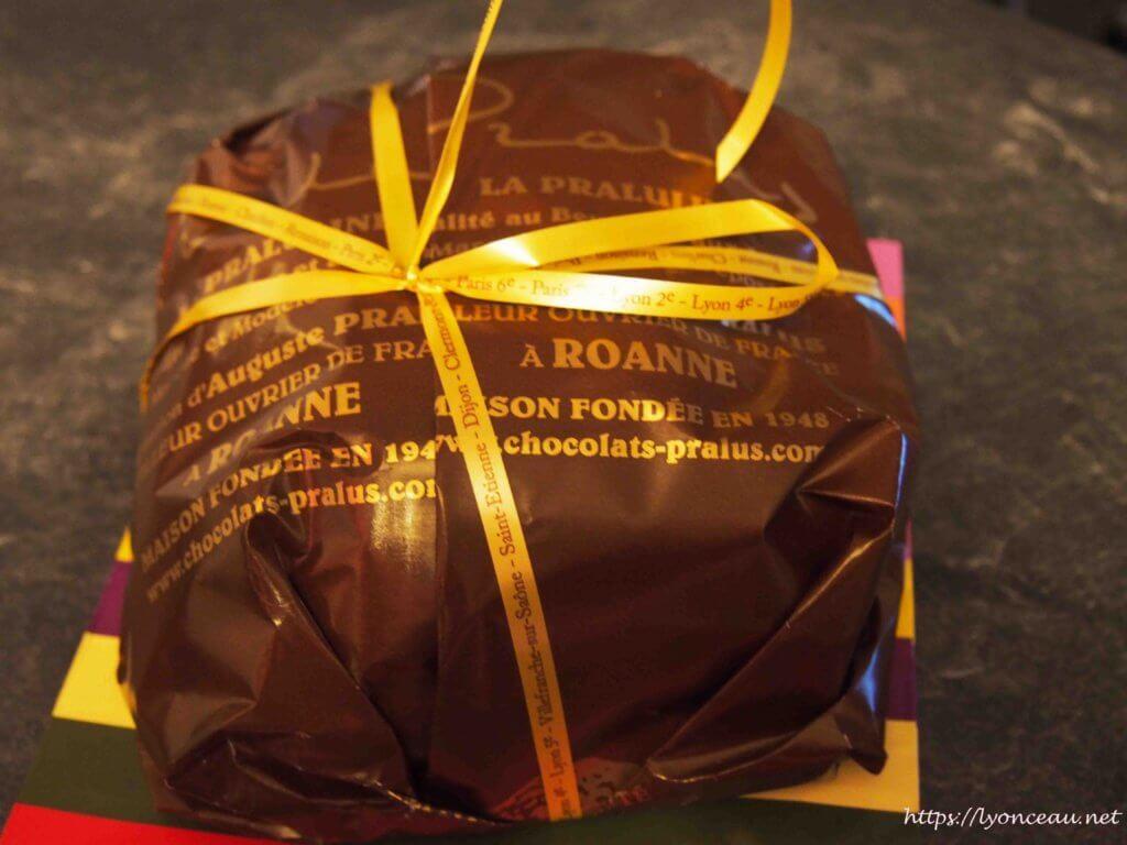 リヨンのプラリュの名物菓子プラリュリーヌ