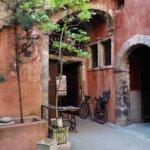 リヨン5区の世界遺産の旧市街案内 Vieux-Lyon